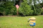 小黄人放风筝