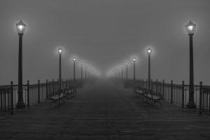 迷雾下的道路
