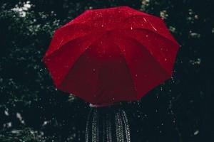 红色的雨伞