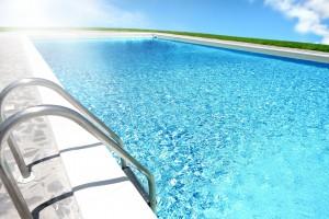 天空中的泳池