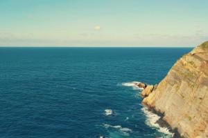 悬崖边的大海