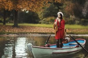 美女在秋天写真
