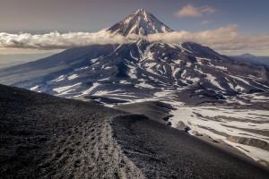 冰岛雪山风景