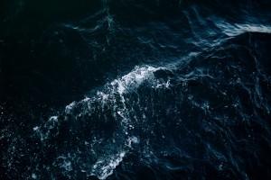暗色系大海