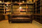 图书与沙发