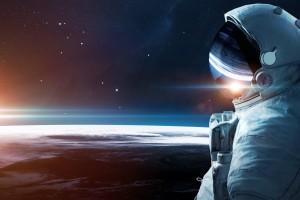 凝视着宇宙的宇航员